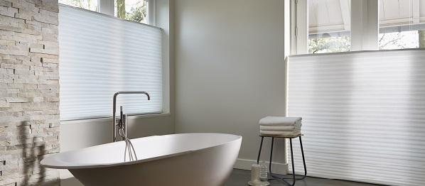 Plisses en duettes in de badkamer | INHUIS Plaza