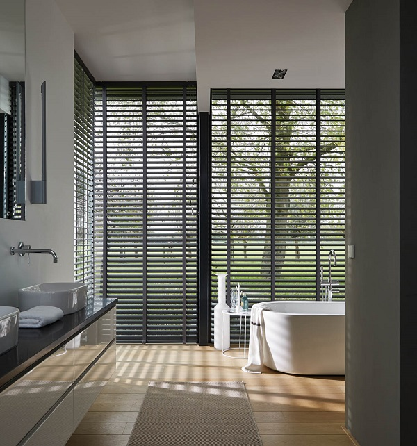 bij een modern interieur gaat onze voorkeur uit naar een mooie strakke lamel hierbij kun je dan nog kiezen of je een glans erover heen wilt of liever een