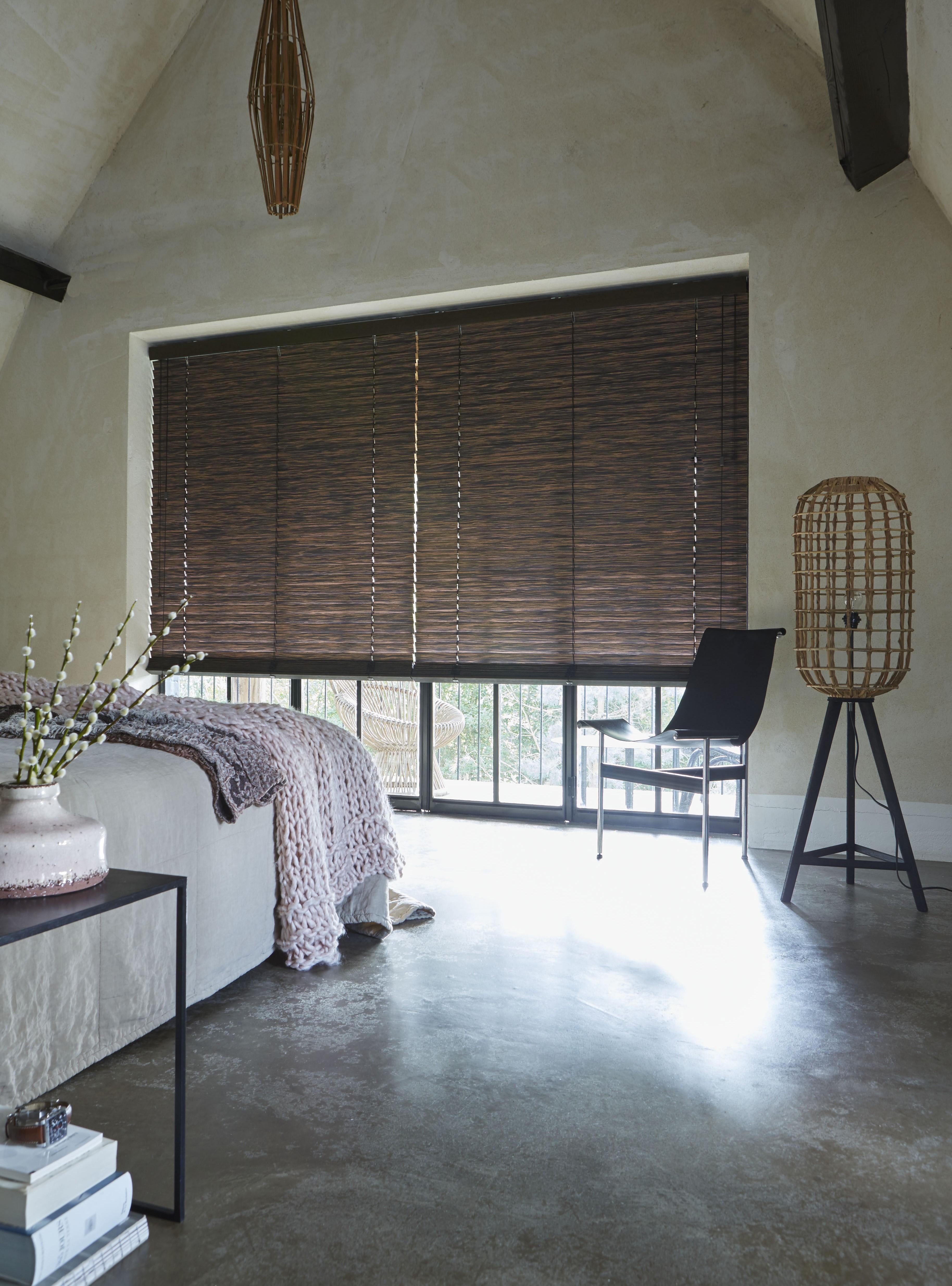 Houten jaloezieën in de slaapkamer | INHUIS Plaza