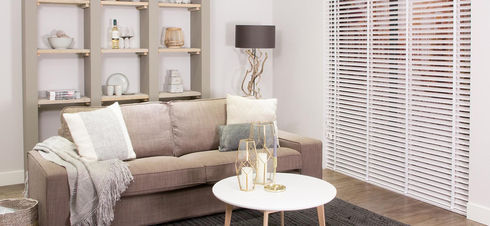 Eenvoudig 70mm houten jaloezie online bestellen inhuis for Interieur online shop