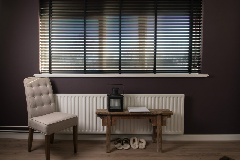 Klassiek Wit Interieur : Inspiratie houten jaloezieën in klassiek interieur inhuis plaza