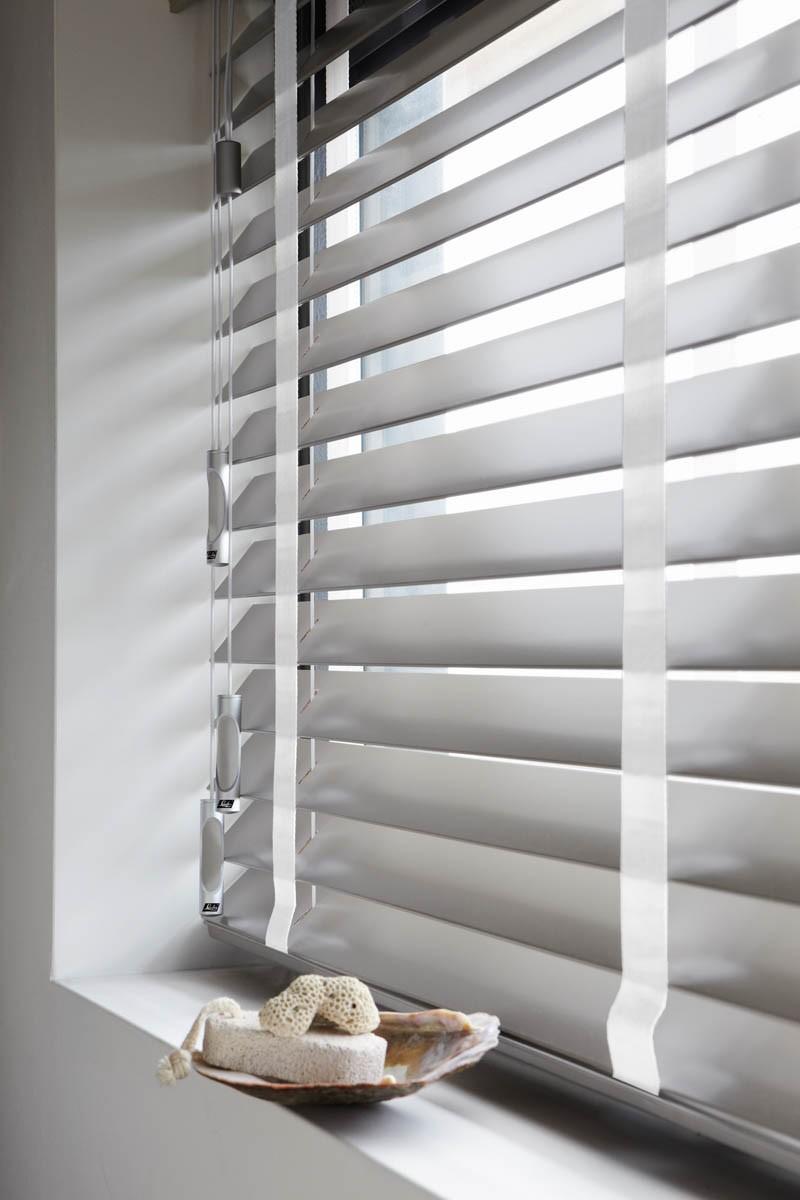 Luxaflex®houten jaloezie - 50mm | INHUIS Plaza
