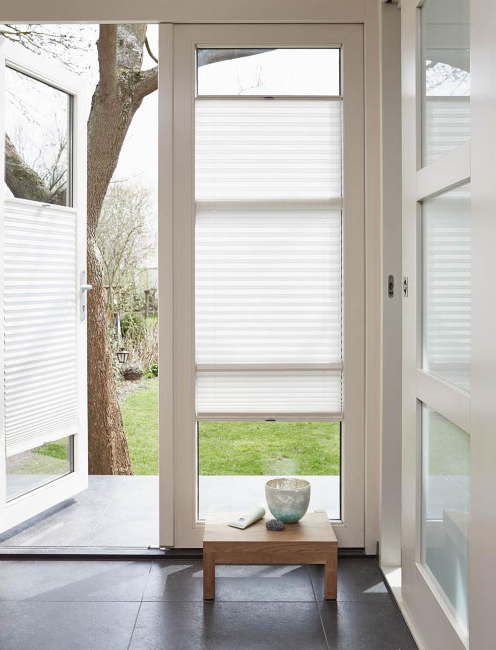 luxaflex pliss shades op maat inhuis plaza. Black Bedroom Furniture Sets. Home Design Ideas